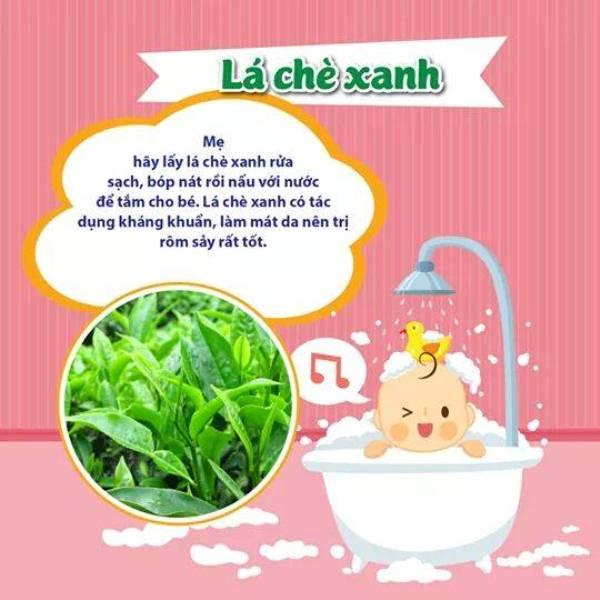 Có nên tắm cho trẻ sơ sinh bằng lá chè xanh khi bị rôm sảy