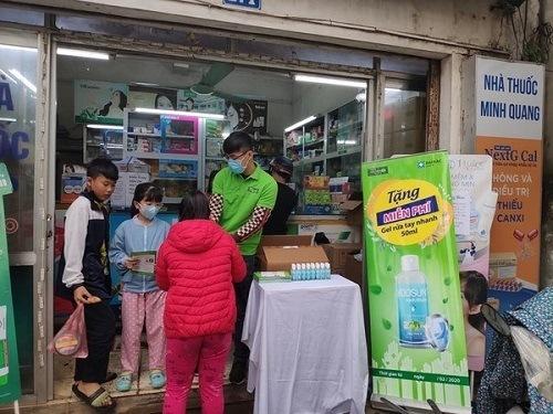 Chương trình phát tặng nước rửa tay
