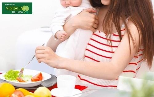 Trẻ bị chàm sữa kiêng ăn gì