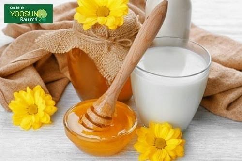 Cách dưỡng da bằng mật ong và sữa tươi