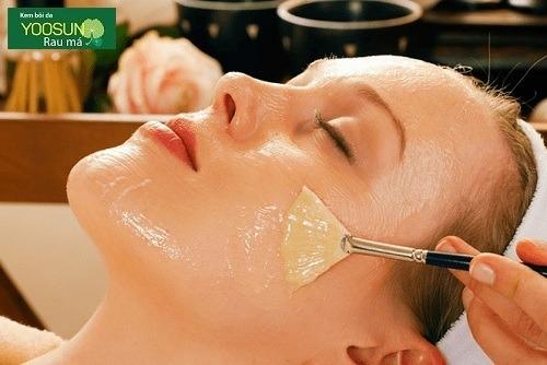 Cách làm sạch mụn đầu đen trên mũi