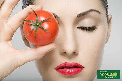 Điều trị mụn đầu đen bằng cà chua