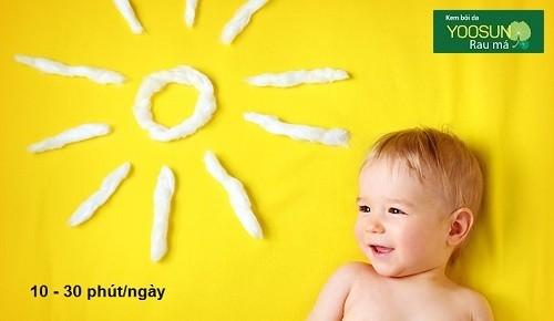 Tắm nắng cho bé sơ sinh bao lâu