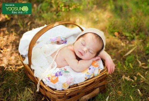 Tắm nắng cho trẻ sơ sinh đến khi nào