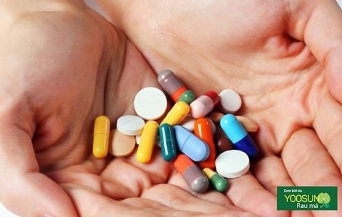 Thuốc trị mụn bọc ở cằm nam giới