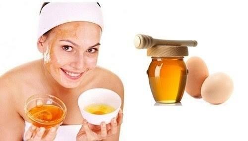 Cách trị mụn cám bằng trứng gà và mật ong