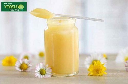 Đắp mặt nạ sữa ong chúa có tác dụng gì