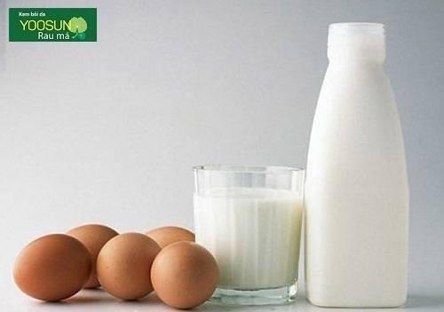 Đắp mặt nạ sữa tươi và trứng gà