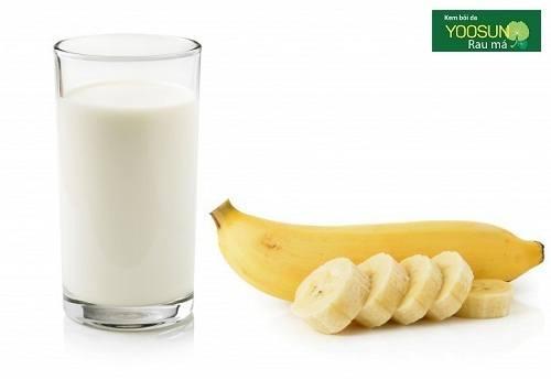 Mặt nạ chuối và sữa tươi không đường
