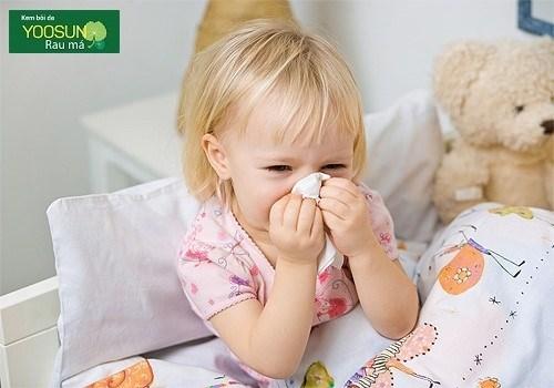 Triệu chứng dị ứng thời tiết ở trẻ nhỏ