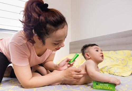 Trẻ sơ sinh bi dị ứng sữa mẹ