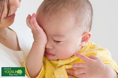 Dị ứng đạm sữa bỏ ở trẻ sơ sinh