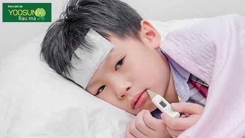 Trẻ bị dị ứng có sốt không