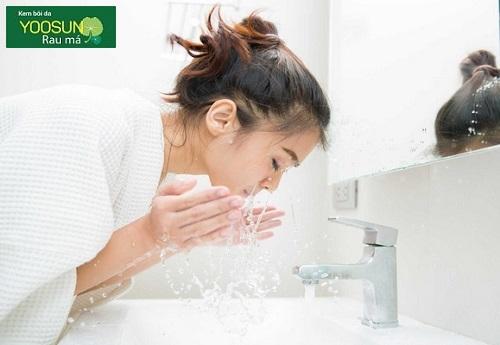 Da dầu nên rửa mặt bao nhiêu lần