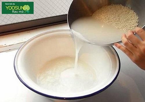 Cách trị mụn từ nước vo gạo